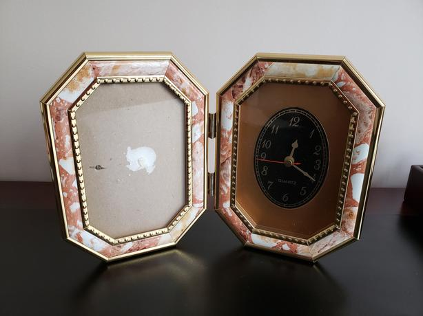 TABLE CLOCK & PHOTO FRAME