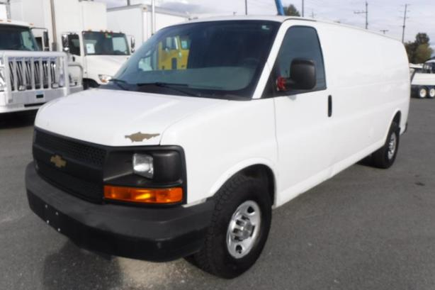 2012 Chevrolet Express 2500 Extended Cargo Van with Bulkhead Divider
