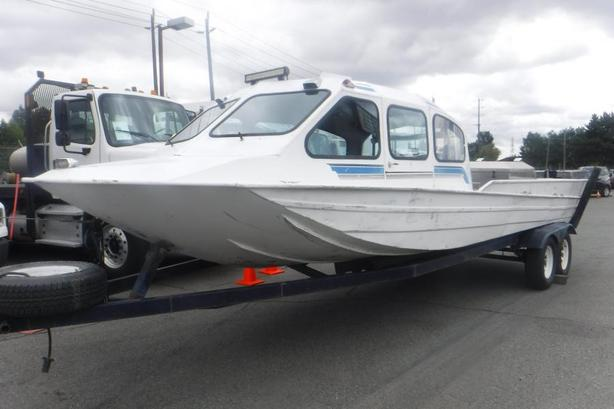 2006 Outlaw 24 Foot Custom Jet Boat Four Season Isolated Cabin with Trailer
