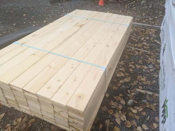 **SALE** Yellow Cedar 5/4x6 KD DECKING