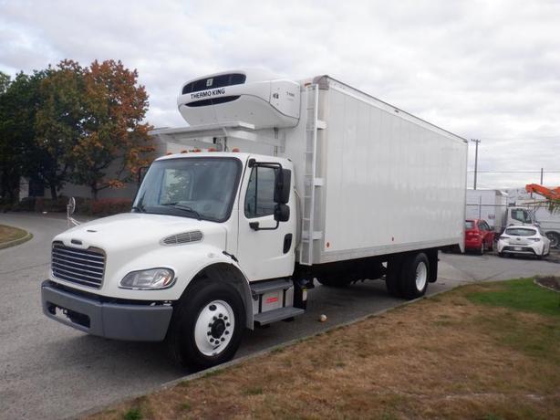 2013 Freightliner M2 106 22 Foot Reefer Cube Van Diesel With Air Brakes