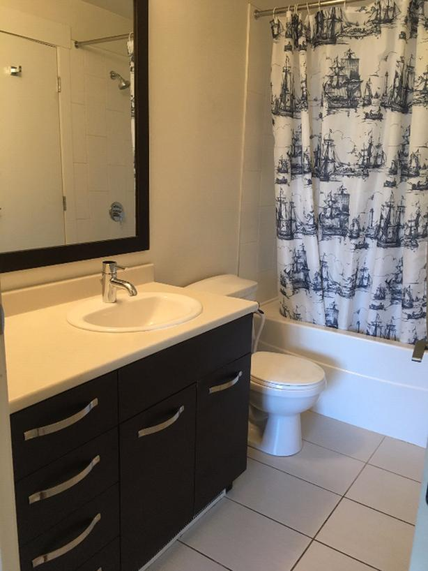 Exclusive Fully Furnished 1 Bedroom Apartment (Abbotsford)