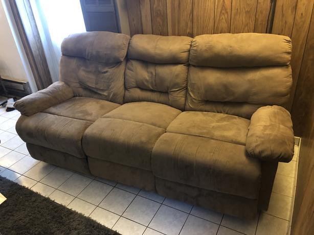 FREE: Three-seater recliner sofa