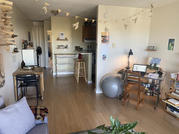 One Bedroom Apartment in Oak Bay!