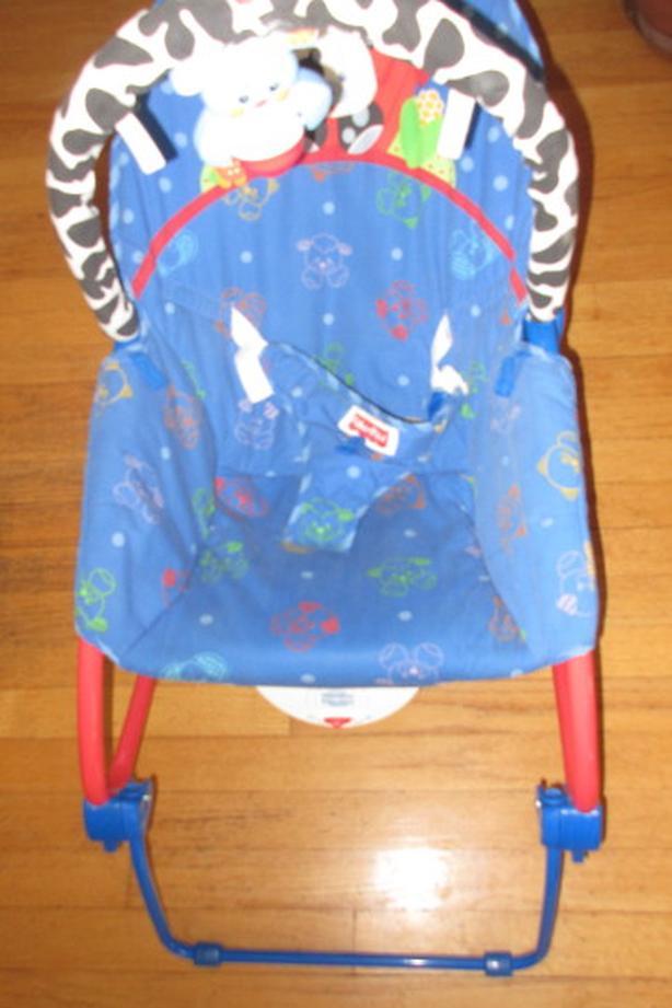 Fisher price baby bouncer vibration rocker