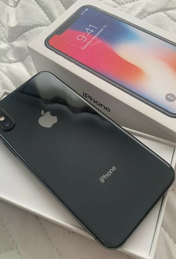 iPhone X 64gb with its box