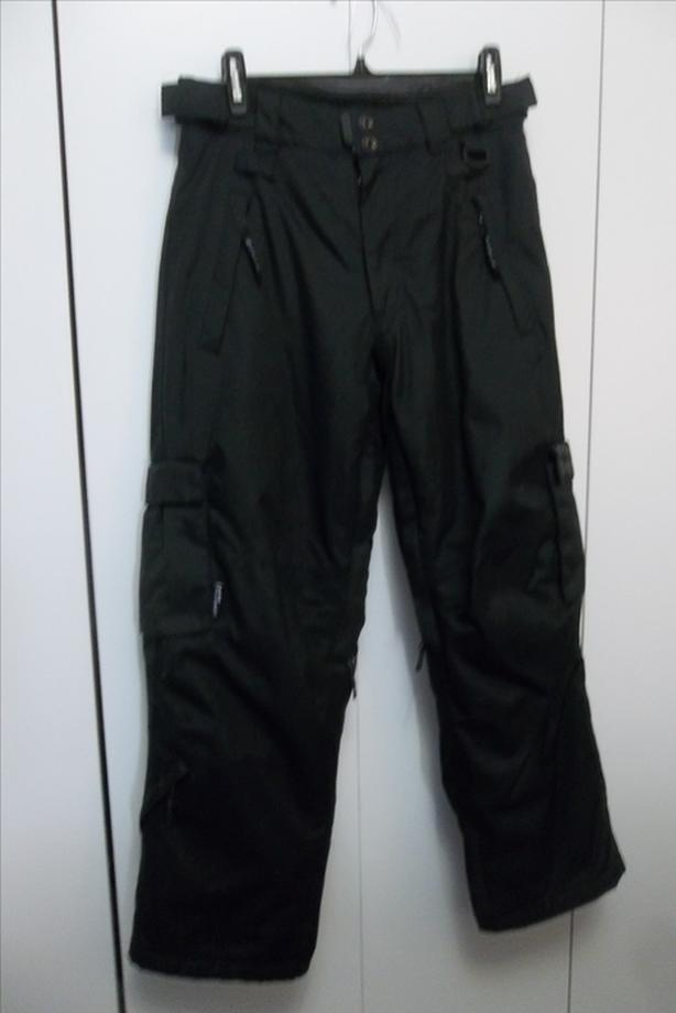 snowboarding pants in mint condition 10/12yrs