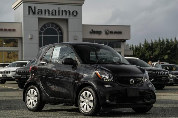 Used 2016 smart fortwo pure One Owner No Accidents Coupe