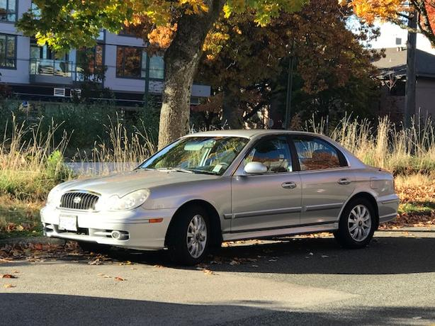 One owner, lady driven 2003 Sonata $2800 OBO