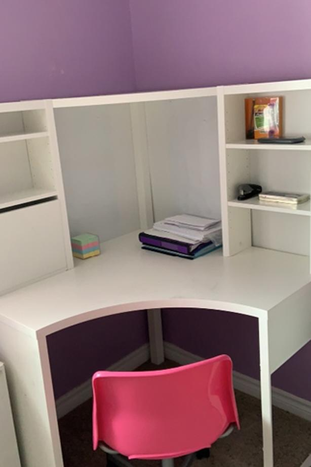 ikea white desk with chair