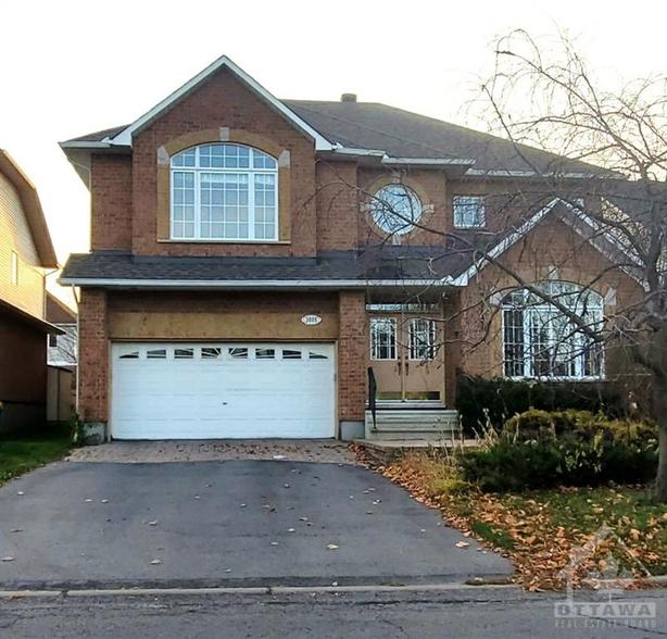 Beautiful all brick home in prestigious Upper Hunt Club area!