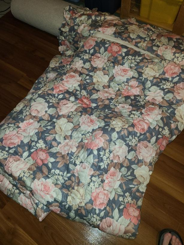queen size custom made quilt and shams