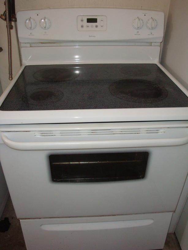 Frigidaire flat top  stove,