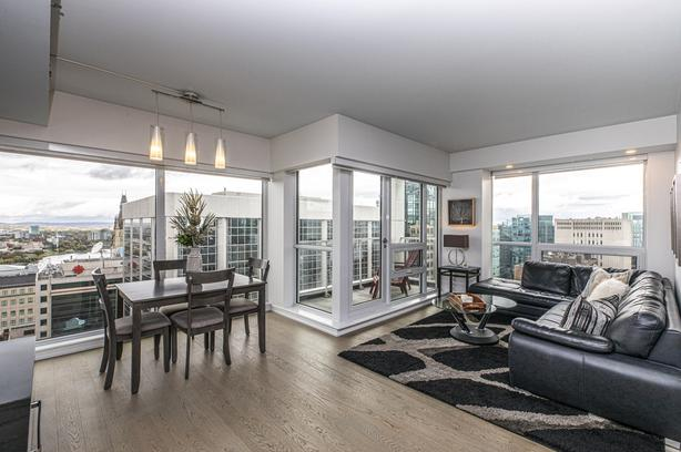 Panoramic 1 Bed 2 Bath Downtown Condo FOR RENT!