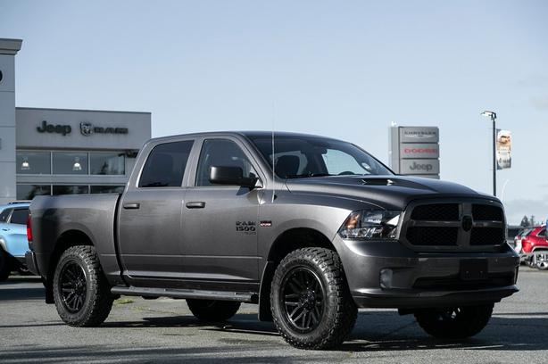 Used 2019 Ram 1500 Classic Express One Owner Low Kilometers Truck Crew Cab