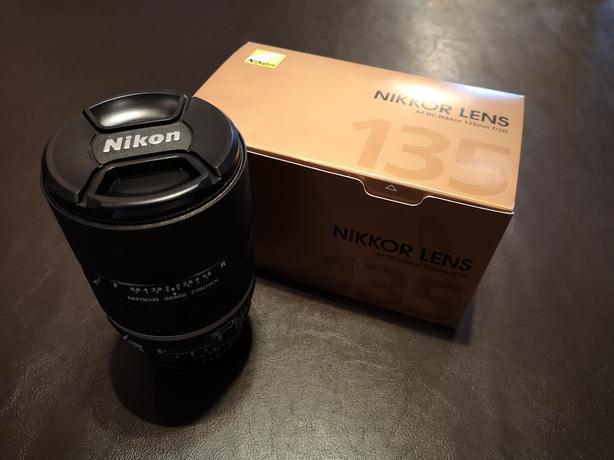 Nikon AF DC Nikkor 135mm f/2