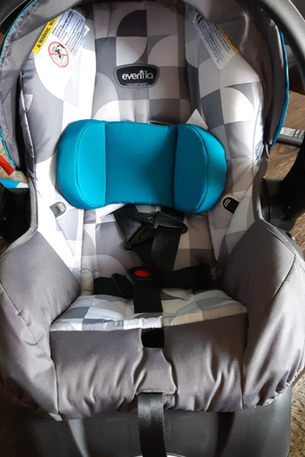 Carseat with base