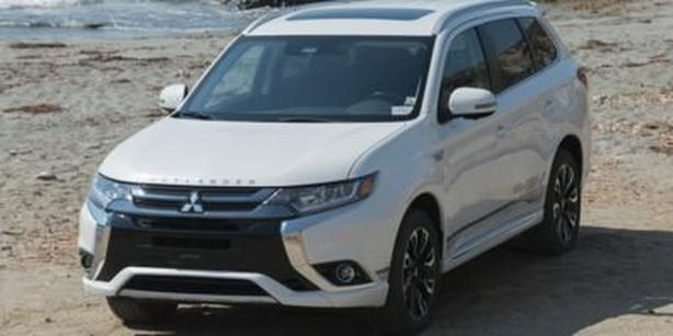 Pre-Owned 2018 MITSUBISHI OUTLANDER PHEV GT Four Wheel Drive S-AWC