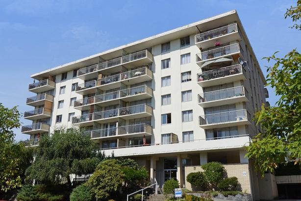 BRAND NEW CONSTRUCTION: 1 bed with insuite laundry; large deck