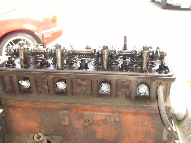 TRIUMPH TR3 ENGINE ( TURNS OVER SMOOTHLY )