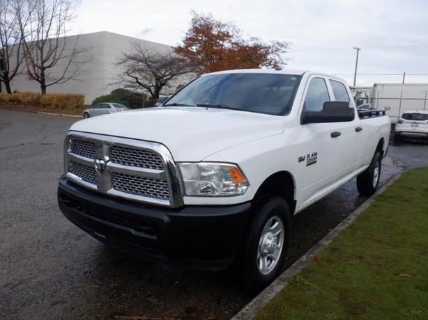 2015 RAM 3500 8 Foot Box Crew Cab 4WD