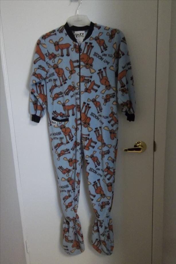 Lazy Lane Pyjama 1 piece with 3 buttons back panel SIZE 8