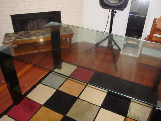 Glass dining table. $150