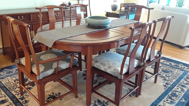 Rosewood Dining Table/Chairs