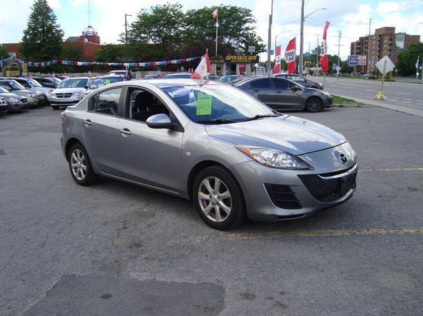 2010 Mazda 3 ***Clean Car***