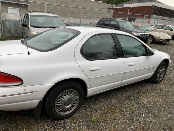 1995 Chrysler Cirrus 4dr Sedan