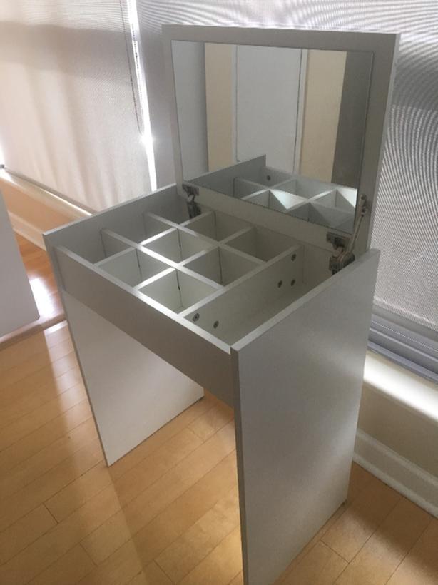 Vanity Mirror Desk with Fliptop Storage