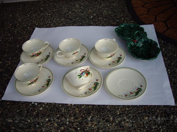 CHRISTMAS CUPS/SAUCERS 1940'S/ ITALY RELISH DISH