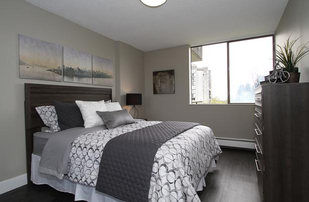 MOVE-IN NOW AND DO NOT PAY UNTIL JAN 1! 2BR/1BA, Skytrain, SFU, Pets