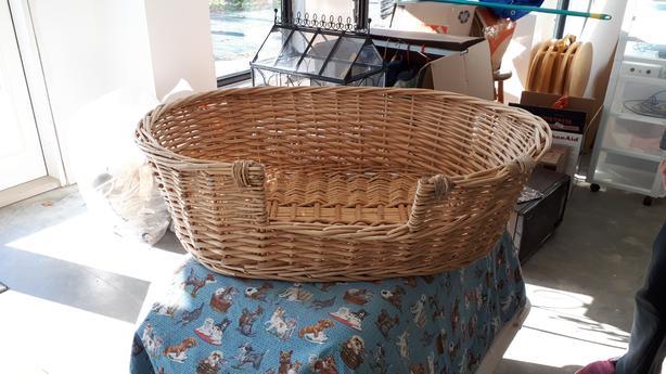 Wicker basket for large dog