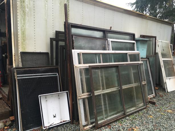 Windows Single pane for greenhouse