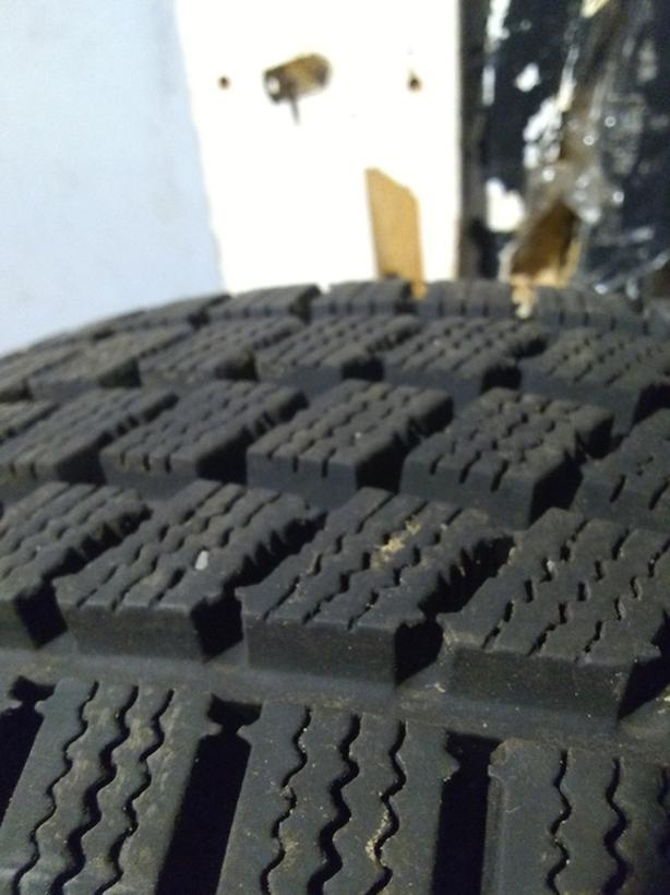 185/70/14 *4 winter tires estimated 85%tread left