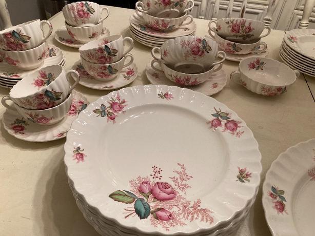 "copeland spode english ""dubarry"" bone china 81 piece set."