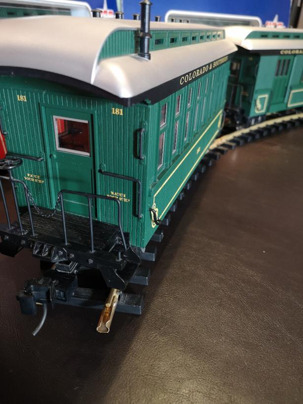 G Scale Trains - Colorado & Southern Passenger Set