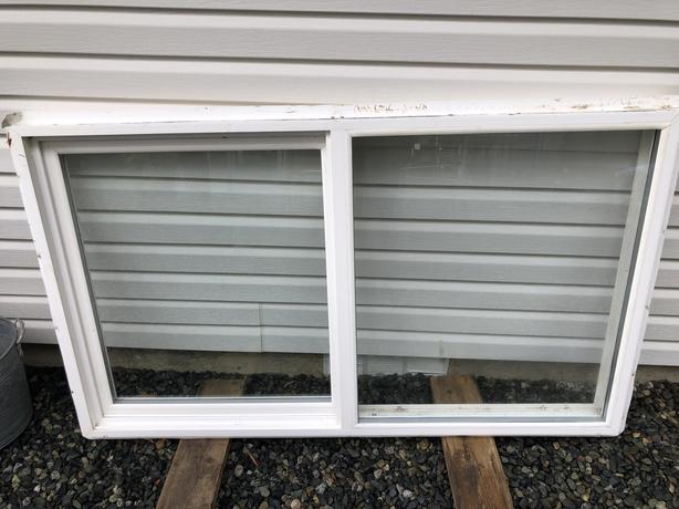 vinyl double pane windows
