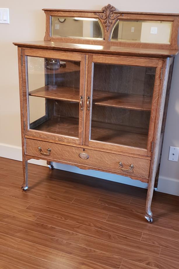 Quarter Sawn White Oak Display Cabinet