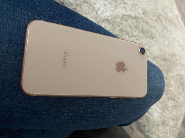 iphone 8 64gb - mint condition