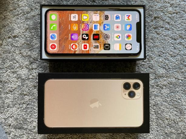 iPhone 11pro Max 64 GB Gold - Comes with apple branded cases