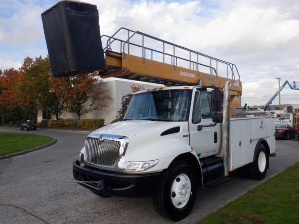 2008 International 4300 Bucket Truck Diesel Air Brakes