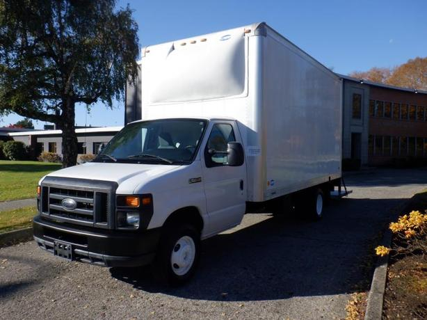 2011 Ford Econoline E450 16 Foot Cube Van with Power Tailgate