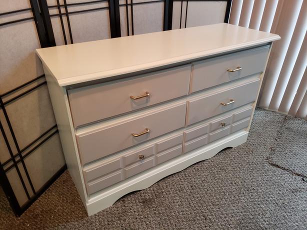 6 Drawer Dresser - Freshly Painted