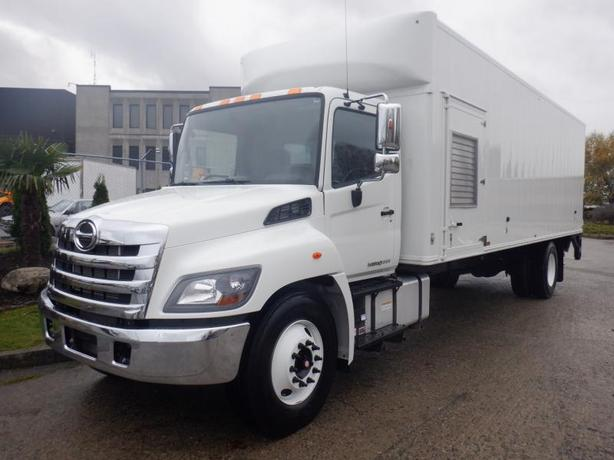 2018 Hino 338 26 Foot Diesel Cube Van with Hydraulic Brakes and Power Liftgate