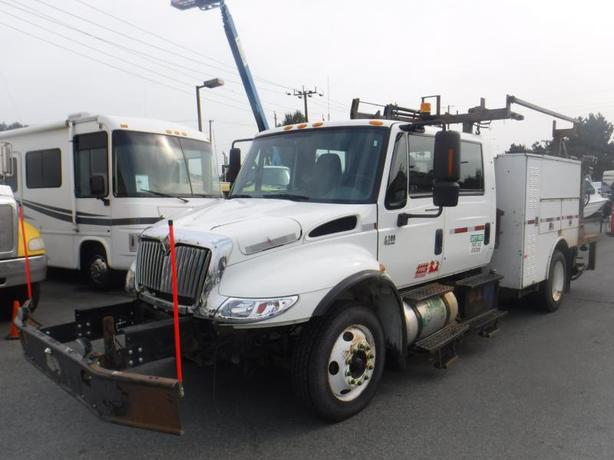 2006 International 4300 Diesel DT466 With Crane And Hydraulic Brakes
