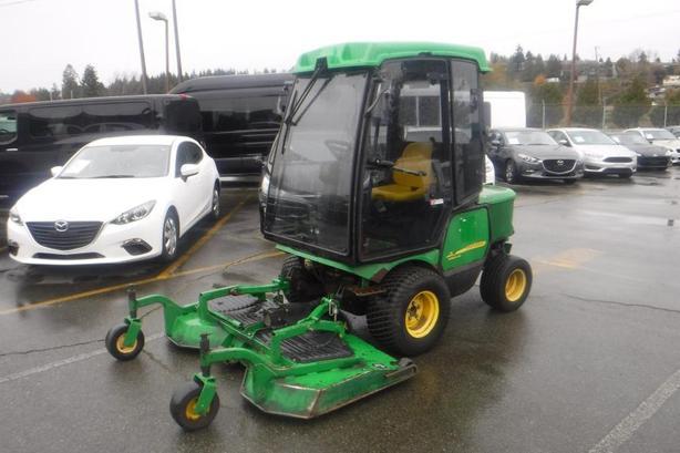 2011 John Deere 1545 Series 2  4WD Diesel Lawn Mower