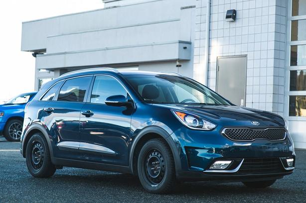 Used 2017 Kia Niro EX Premium One Owner No Accidents SUV