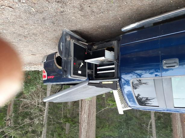 Ford f150 mid cab with 3/4 ton chassis